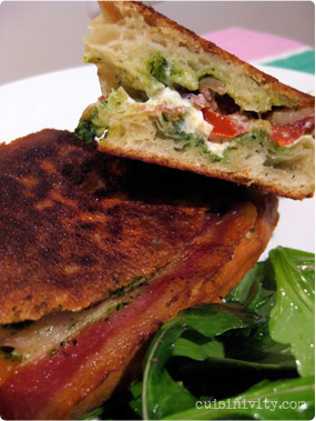Grilled goat cheese sandwitch